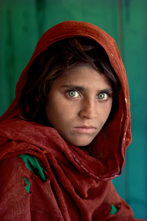 PAKISTAN. Peshawar. 1984. Afghan Girl at Nasir Bagh refugee camp.